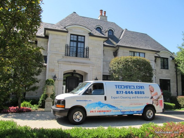 A Carpet Cleaning Professional Working In Glenview